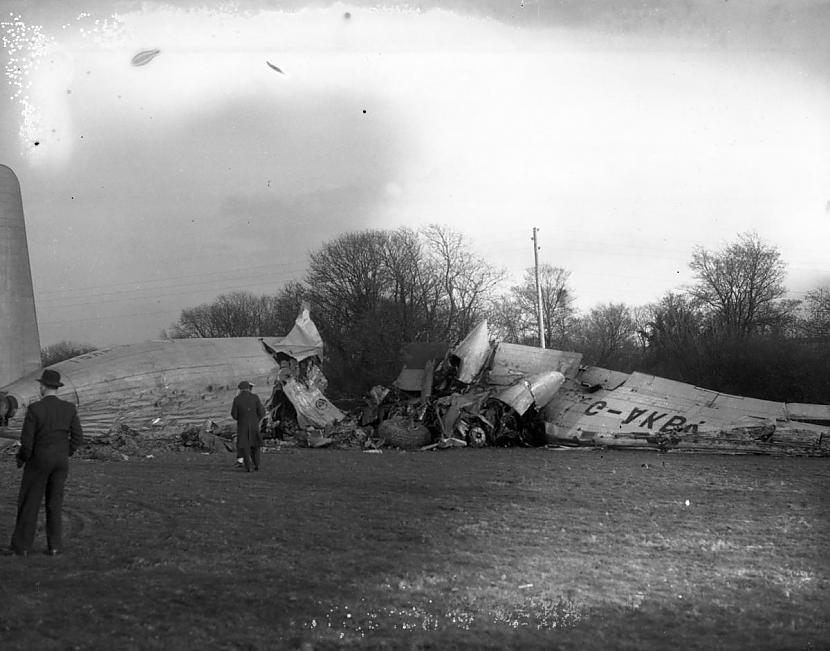 Autors: Plane Crash central Komerciālo lidaparātu katastrofu bildes (Piecdesmitie)