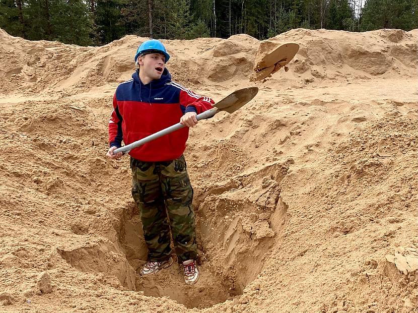 Viss sākās ar to ka Andrejs... Autors: matilde Tiktokeris no Rīgas uzstāda jaunu rekordu «TikTok» tiešraidē