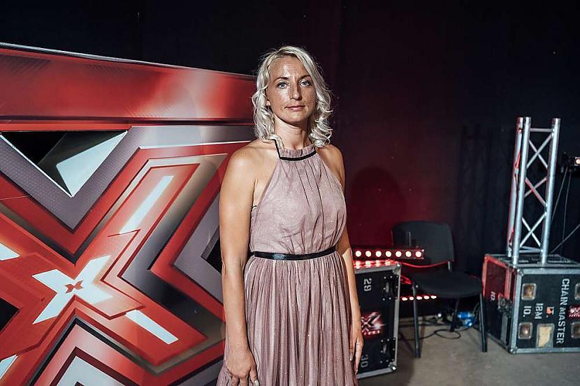 Una pati raksta dziesmām... Autors: matilde Video: Unas Gutorevas radītā dziesma ilgi skanēs «X Faktora» skatītāju galvās